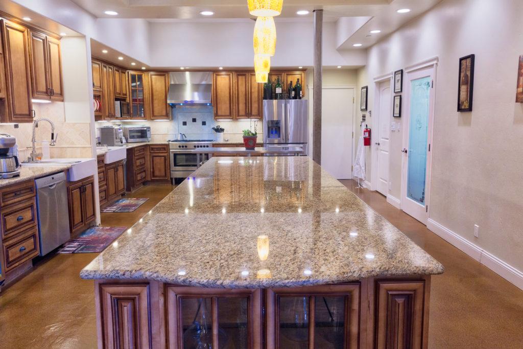 Kitchen Details Wide (1 of 1)