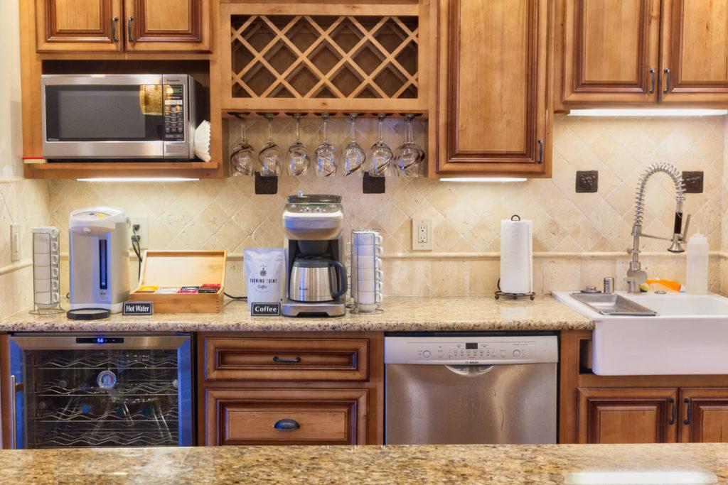 Kitchen Details Wide (4 of 1)